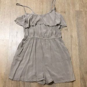Taupe airy romper